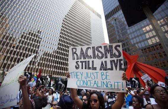 renace el racismo en el mundo 1