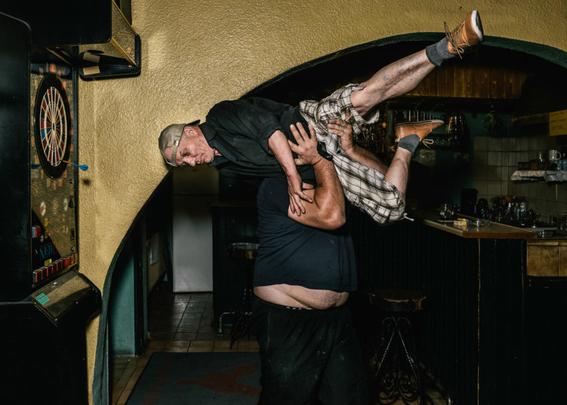 fotografias de klaus pichler sobre la diversion de algunos adultos mayores 7