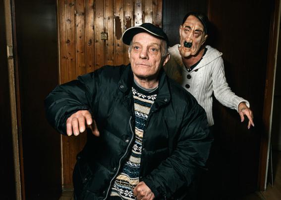 fotografias de klaus pichler sobre la diversion de algunos adultos mayores 17