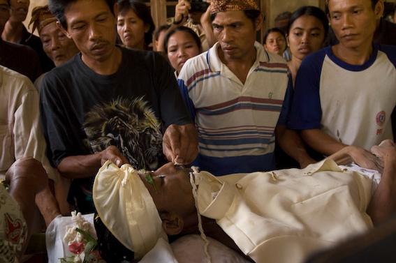 cadaveres toraja indonesia 10