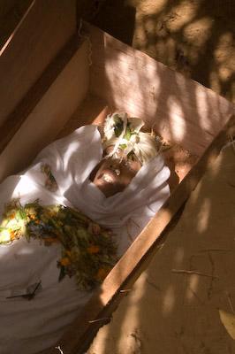 cadaveres toraja indonesia 11