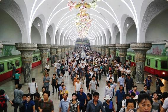 fotografias del metro de pyongyang corea del norte 14