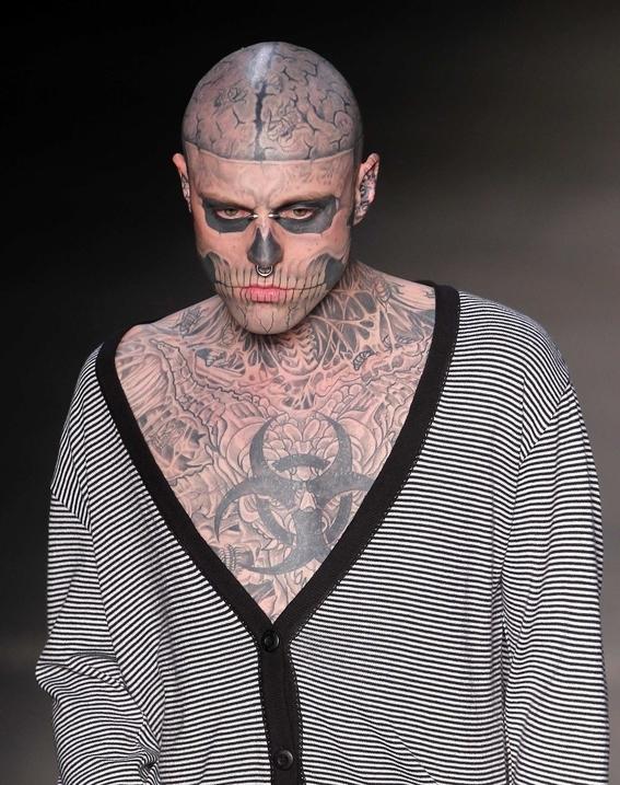 encuentran muerto a zombie boy modelo born this way 3