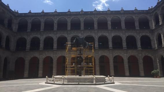 pena nieto invierte 17 millones de pesos para arreglar palacio nacional 3