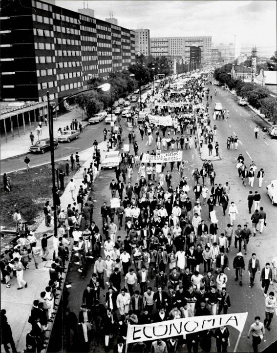 5 de agosto 68 marcha de estudiantes desde zacatenco hasta santo tomas 2
