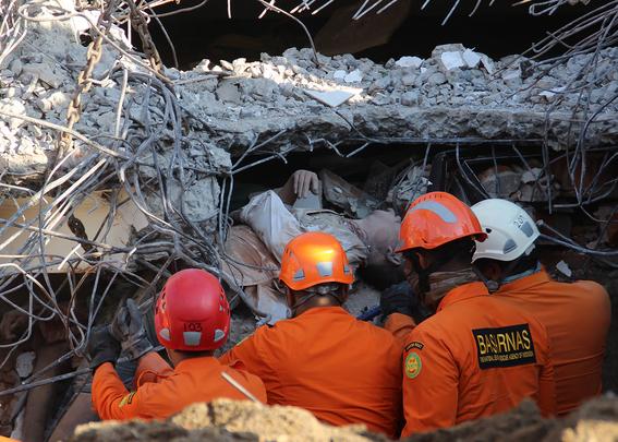 terremoto en indonesia imagenes 6