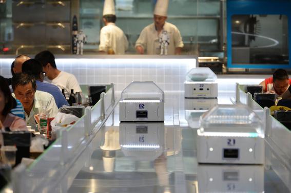 robot he restaurante chino atendido por robots 1