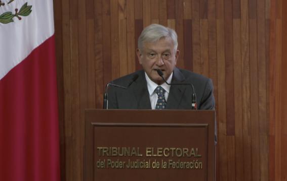 amlo recibe su constancia de presidente electo de mexico 2