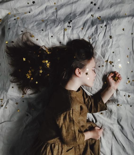 dormir de lado izquierdo es mas beneficioso para la salud 1