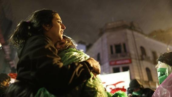 senado de argentina rechaza legalizacion del aborto 1