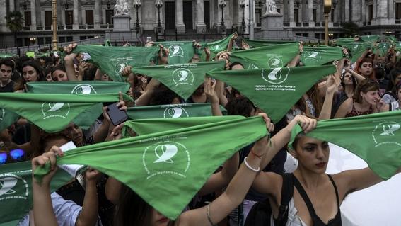 senado de argentina rechaza legalizacion del aborto 4
