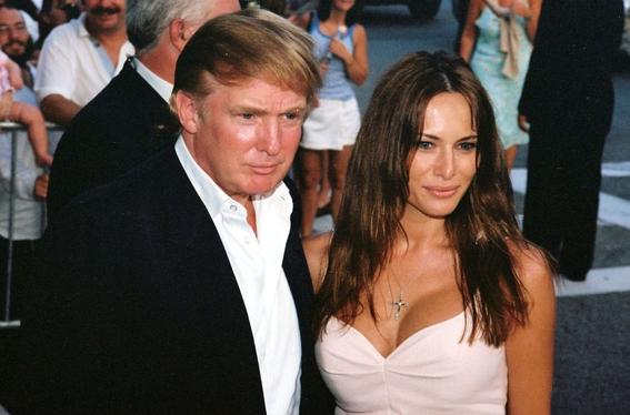 Los padres de Melania Trump ya son ciudadanos americanos
