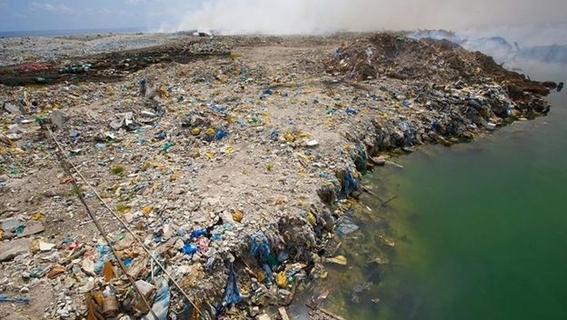 isla de basura y plastico en oceano pacifico 5