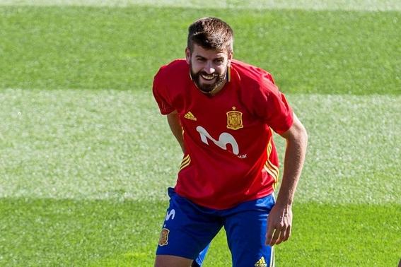 gerard pique anuncia su retiro de la seleccion de espana 2