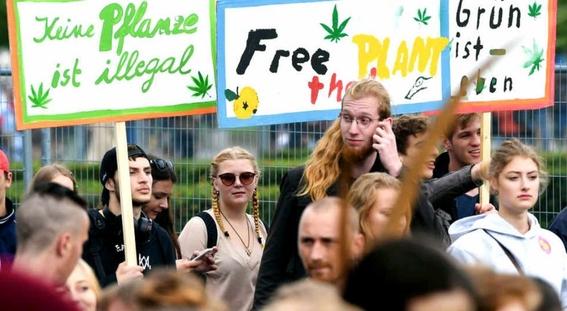 marchan legalizacion de la marihuana en alemania 1