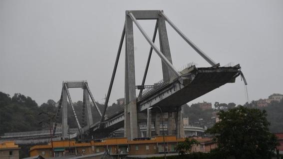 video de la caida del puente en genova 1
