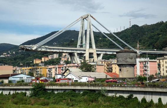 derrumbe del puente morandi en italia 1