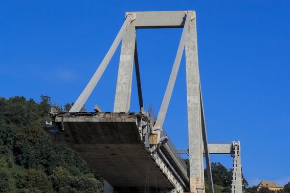 derrumbe del puente morandi en italia 2