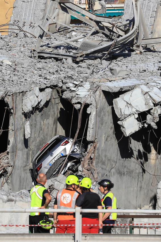 derrumbe del puente morandi en italia 9