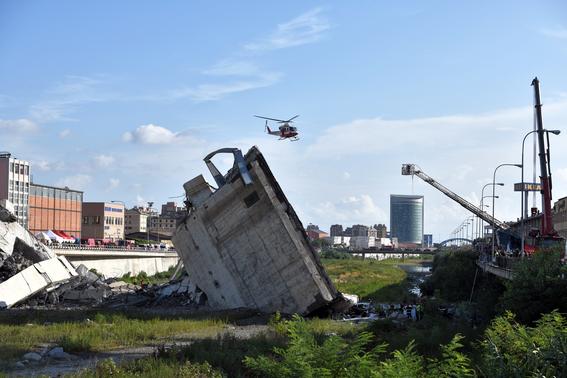 derrumbe del puente morandi en italia 14