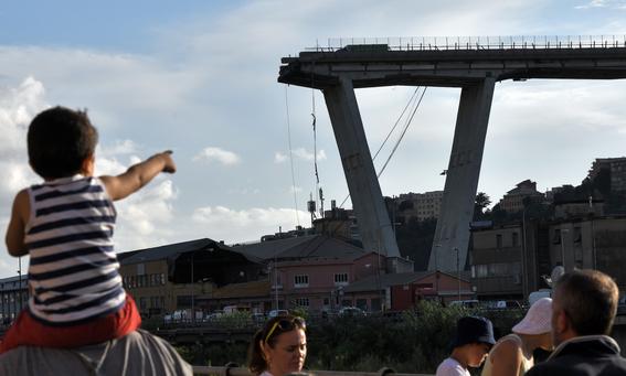 derrumbe del puente morandi en italia 11