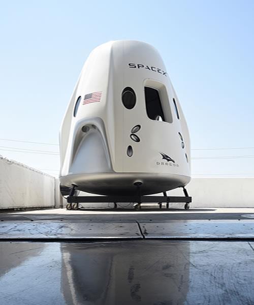 spacex plena un viaje tripulado en 2019 2