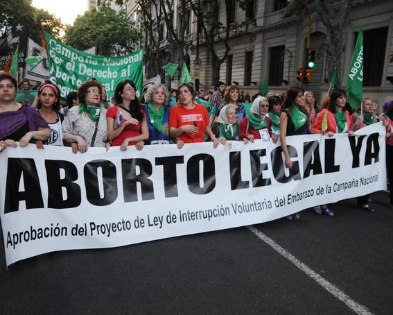mujer muere por aborto con perejil 3