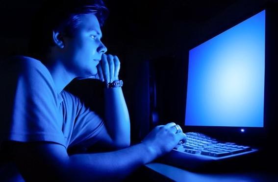 luz azul de celular te deja ciego como evitarlo 2