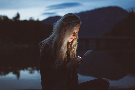 luz azul de celular te deja ciego como evitarlo 4