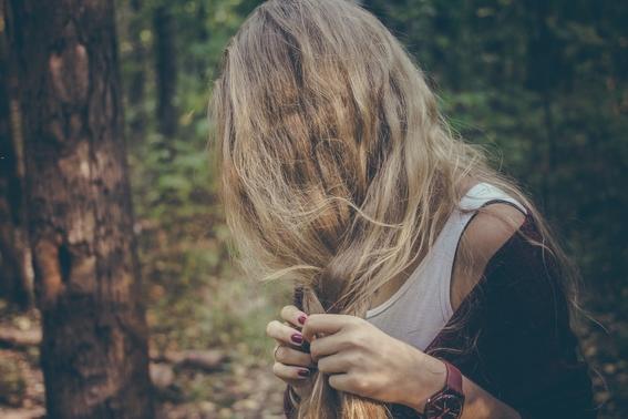 peinados para cabello esponjado 2