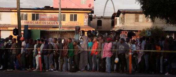 fotos de los haitianos en tijuana 1