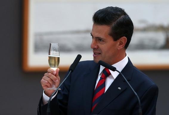 que paso con los 43 normalistas de ayotzinapa pena nieto 1