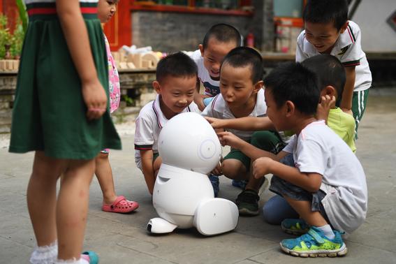 maestros robot llegan a las escuelas en china 2
