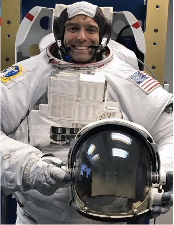renuncia astronauta de la nasa en cincuenta anos 2