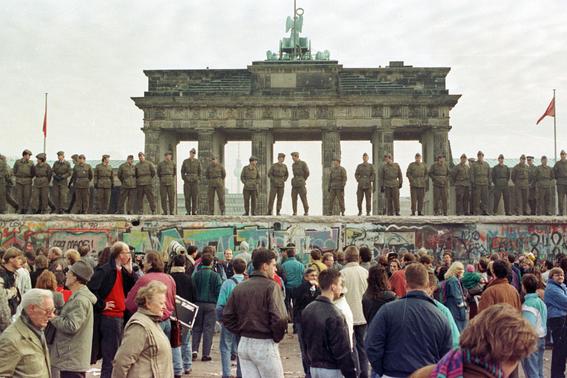 grupo de artistas reconstruiran el muro de berlin 2