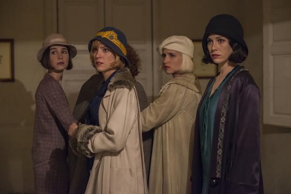 teorias sobre la tercera temporada de las chicas del cable 5
