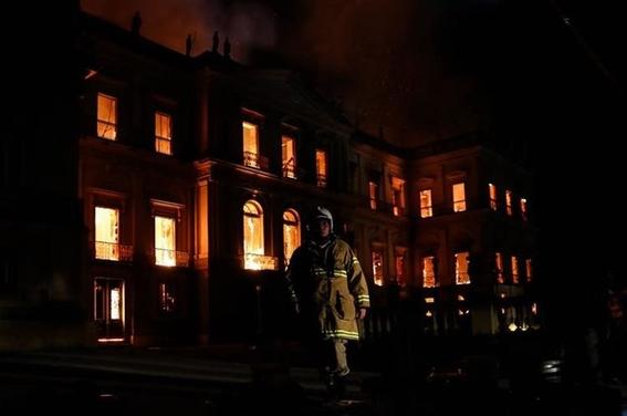 incendio consume el museo nacional de brasil 2