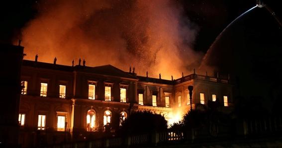 incendio consume el museo nacional de brasil 7