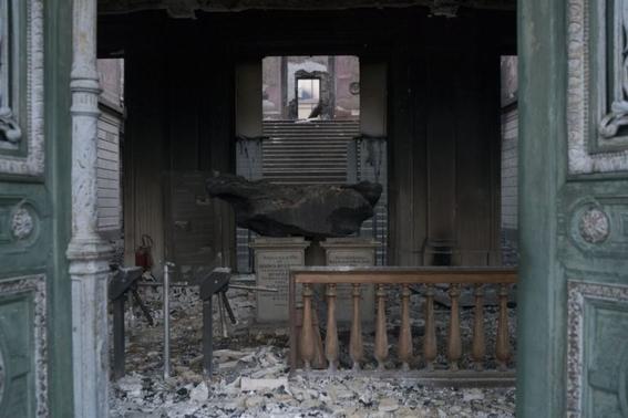 que se salvo tras el incendio del museo nacional de brasil 2
