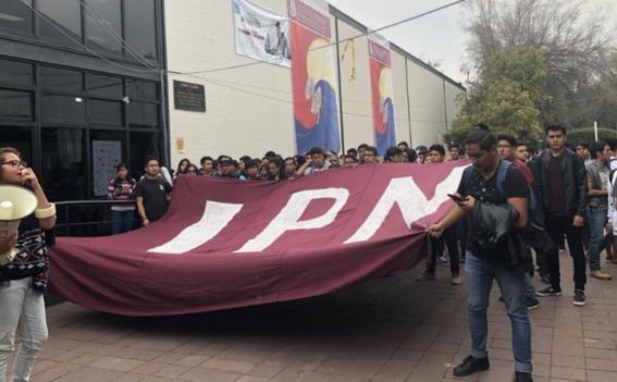 miles de estudiantes unam ipn marchan contra porros 5