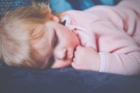 que pasa si un bebe se contagia de herpes por un beso 4