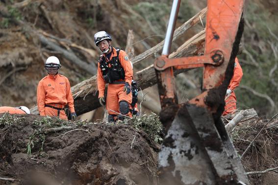 asciende numero de muertos en japon por sismo 1