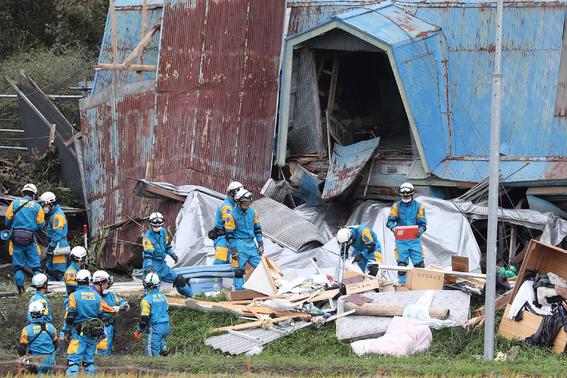 asciende numero de muertos en japon por sismo 2