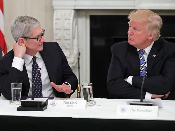 trump le dice a apple que fabrique sus telefonos en eua 2