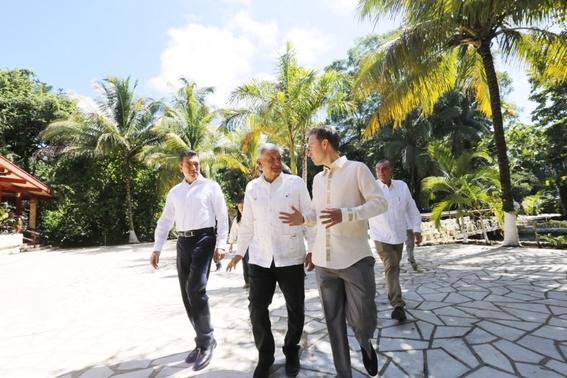 amlo se reune con gobernadores para plan del tren maya 1