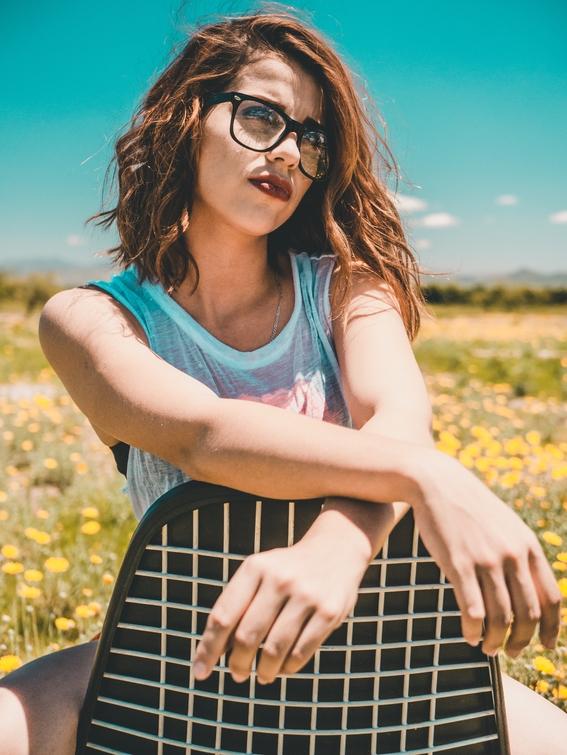 peinados sencillos para las chicas con lentes 6