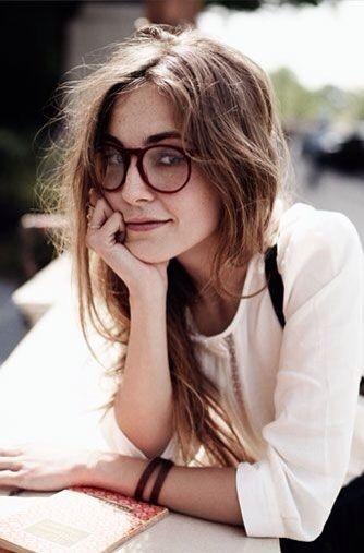 peinados sencillos para las chicas con lentes 8