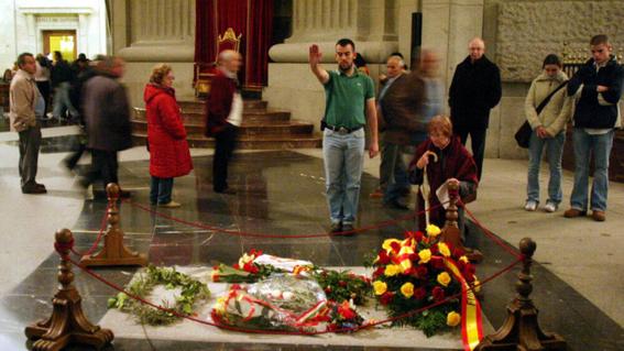 parlamento espanol aprueba exhumar restos francisco franco 1