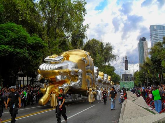 el coloso figura de celebracion del bicentenario de la independencia de mexico 7