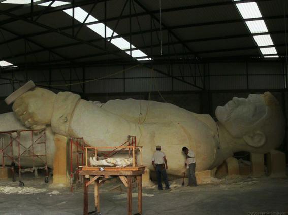 el coloso figura de celebracion del bicentenario de la independencia de mexico 2
